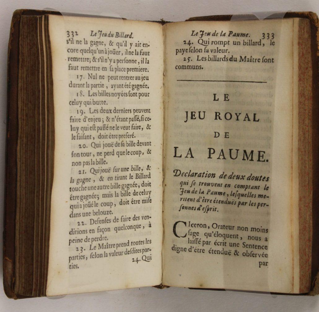 Page 333 of Divertissemens Innocens, contenant les Régles du Jeu des Echets, du Billard, de la Paume, du Palle-Mail et du Trictrac